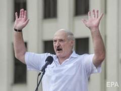 Александр Лукашенко прилетел на вертолете на завод, чтобы встретиться с рабочими