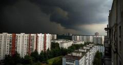На Москву обрушился мощный ливень с грозой