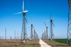 В Калмыкии введены в промышленную эксплуатацию крупнейшие ветроэлектростанции