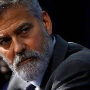 Джордж Клуни оказался на больничной койке, потеряв 13 кг