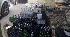 Подпольный цех по производству контрафактного алкоголя ликвидировали под Аксаем