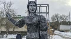 В Нововоронеже демонтировали ненавистный жителям памятник Аленке