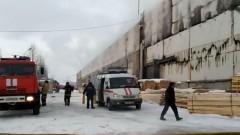 В Уфе загорелся фанерный завод