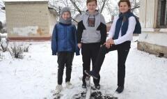 Юные невинномысцы потушили возгорание во дворе школы