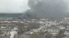 В Семенове горит крыша здания на площади в 2000 «квадратов»