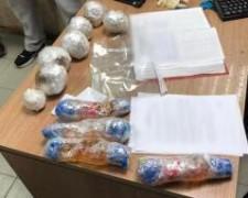 Сотрудники донской исправительной колонии задержали двух перебросчиков с таблетками