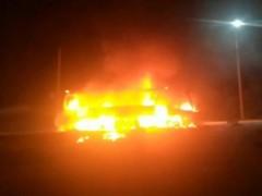 В Набережных Челнах маршрутка загорелась в движении из-за опасной игры подростков