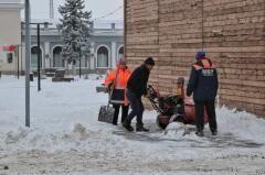 Снегоуборочная техника дежурит на улицах Невинномысска из-за ухудшения погоды