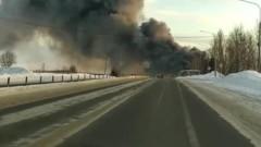 Склад с полиэтиленом горит в Ярославской области
