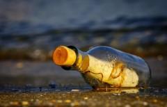 Письмо в бутылке 25-летней давности нашел шотландский мальчишка