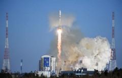 """Ракета """"Союз-2"""" с иностранными спутниками стартовала с космодрома Восточный"""
