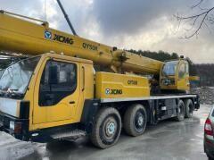 В Новороссийске за долги арестован автопарк строительной техники
