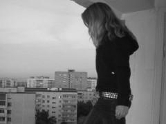 В Барнауле полицейские поймали девушку, выпрыгнувшую из окна от насильников