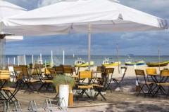 Исследование: за год спрос на работников в пляжных зонах Черного моря вырос в 6 раз