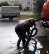 Коммунальные службы Невинномысска в усиленном режиме чистит ливневки