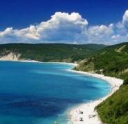 Ростуризм: Черноморское побережье перегружено