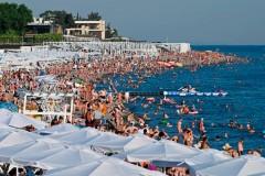 Россияне меняют путевки на отечественные курорты в пользу Турции