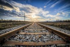 Попала в реанимацию: в Тимашевске мужчина у железной дороги жестоко избил свою супругу