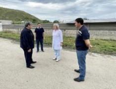 Глава КБР Казбек Коков проинспектировал ремонт медучреждений в Черекском районе