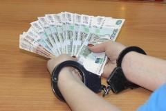В Новопавловске судебного пристава заподозрили в получении взятки