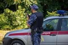 В Краснодаре пенсионерка пыталась перелезть через ограждение Тургеневского моста