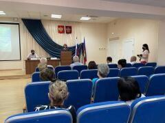 Светлана Бессараб обсудила с профактивом Тихорецкого района проблемы социально-трудовых отношений