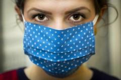 Собянин хочет отменить обязательное ношение масок для педагогов