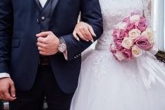 Рвота с кровью: гости двух свадеб отравились в ресторане в Томске
