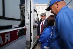 Глава КБР Казбек Коков передал медучреждениям новые автомобили скорой помощи