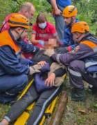Спасатели деблокировали из салона автомобиля пострадавшую при ДТП женщину