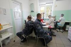 Более 40 росгвардейцев стали донорами крови для больниц Кубани