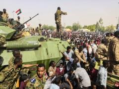 В Судане военные увезли премьер-министра в неизвестном направлении