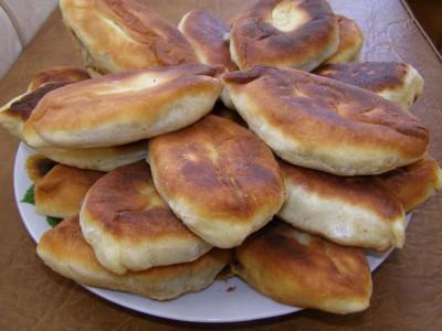 Пирожки с пюре и куриными патрохами
