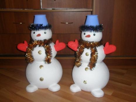 Как сделать большого снеговика своими руками