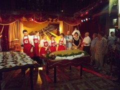 Краснодарские повара слепили гигантский вареник «Батька Атаман»