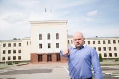 Честные выборы: единоросс проиграл оппозиционеру в Черкесске