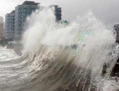 Керченская паромная переправа закрыта из-за сильного ветра