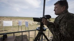 Порошенко заявил об успешном испытании новой ракеты украинского производства