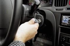 Житель Ямала угнал машину, чтобы вытащить из сугроба украденный внедорожник