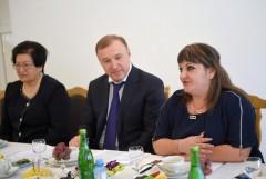 Мурат Кумпилов пригласил на праздничное чаепитие известных женщин Адыгеи