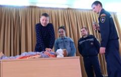 В Аксае спасатели напомнили детям о мерах безопасности