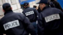 В аэропорту Парижа неизвестный попытался отобрать оружие у солдата