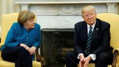 Пресс-секретарь Белого дома объяснил, почему Трамп не пожал руку Меркель