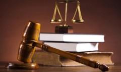 В Игарке 42-летний мужчина засунул подростка в ванну, облил растоврителем и угрожал поджечь