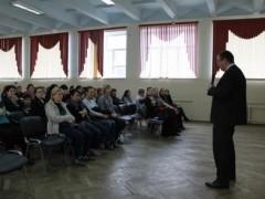 В Краснодаре полицейские рассказали учащимися и их родителям о безопасности в интернете