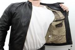 В Геленджике домушник украл куртку с деньгами