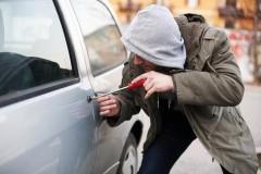 Житель Гулькевичей пытался ограбить автомобиль, но был задержан с поличным