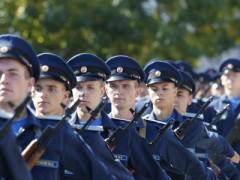 509 первокурсников лётного училища в Краснодаре приняли военную присягу