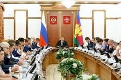 Губернатор Кубани Кондратьев провел традиционный час контроля