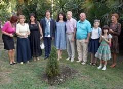 В Сочи высадили дерево в память о работнике культуры Дмитрие Панченко